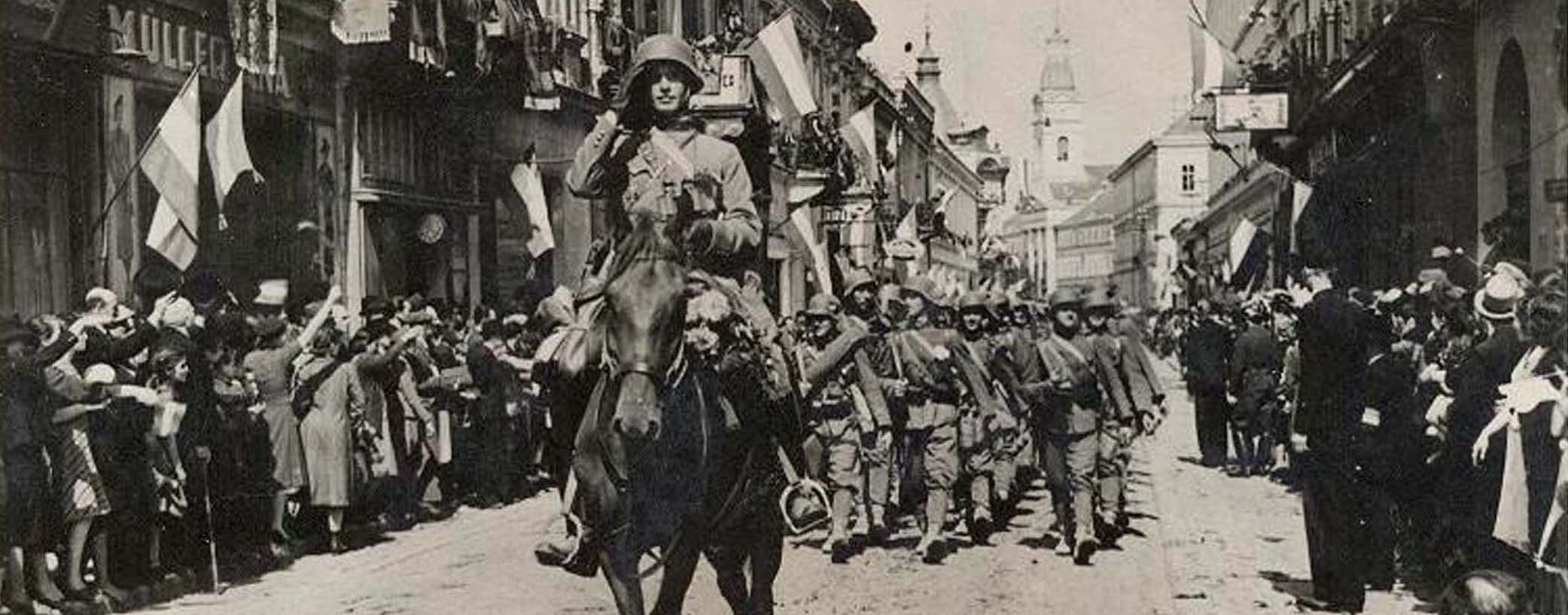 Hussars in the  Kazinczy street